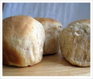 Delicious and Easy Whole Wheat Buns