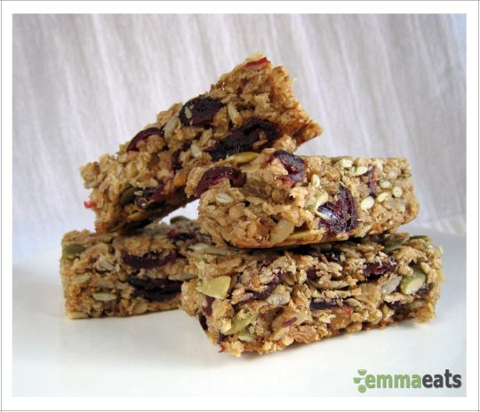Chewy Cranberry Granola Bars [Dairy-Free] | EmmaEats