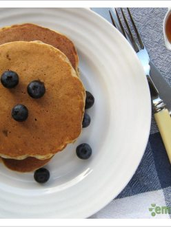 Whole Wheat Banana Flax Pancakes
