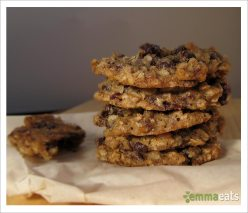 Chewy Dark Chocolate Cherry Oatmeal Cookies