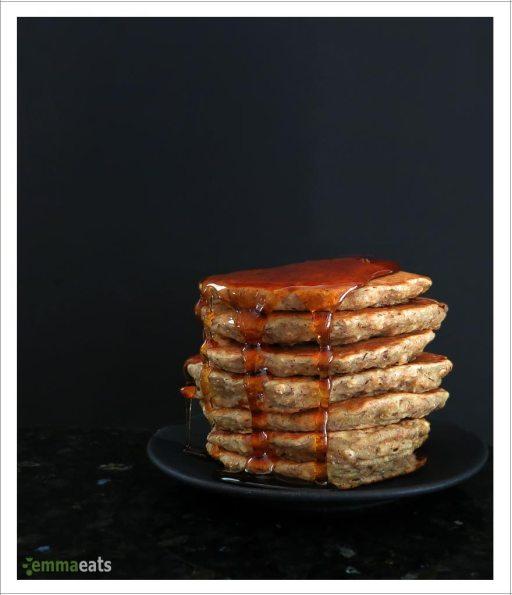 Oatmeal Banana Pancakes [vegan] | EmmaEats