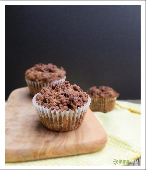 Vegan Banana Chocolate Chip Muffins with Cinnamon Crumble   EmmaEats
