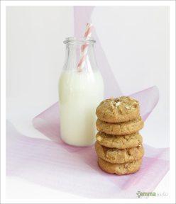 Cinnamon White Chocolate Chunk Cookies | EmmaEats
